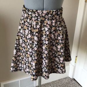 Floral patterned high waisted skirt